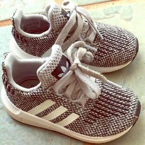 Toddler boys size 6 Adidas Sneakers